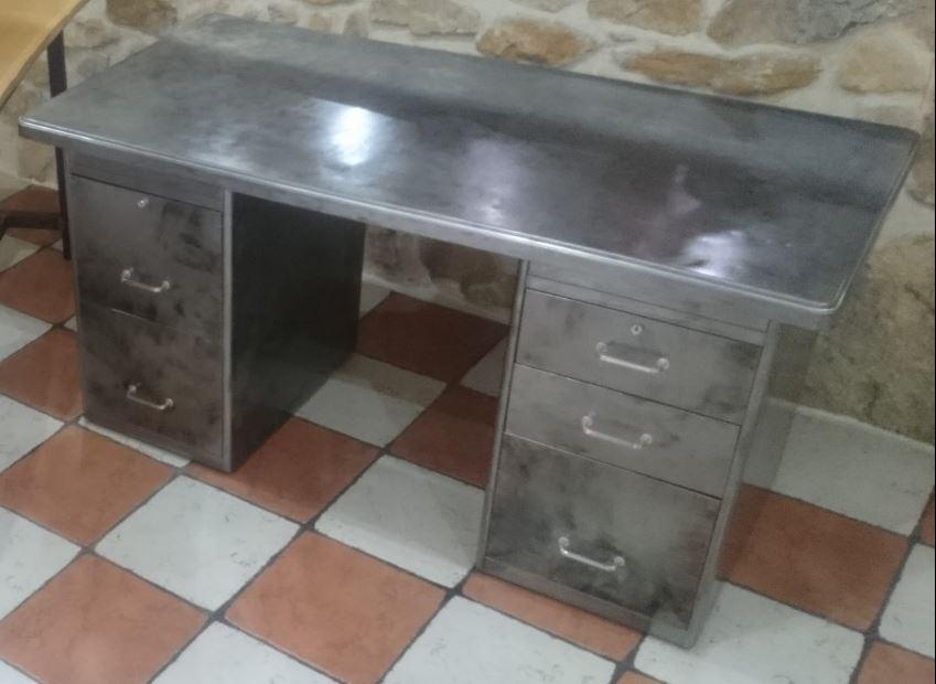 bureau industriel vintage annee 50 meubles par audrey84150. Black Bedroom Furniture Sets. Home Design Ideas