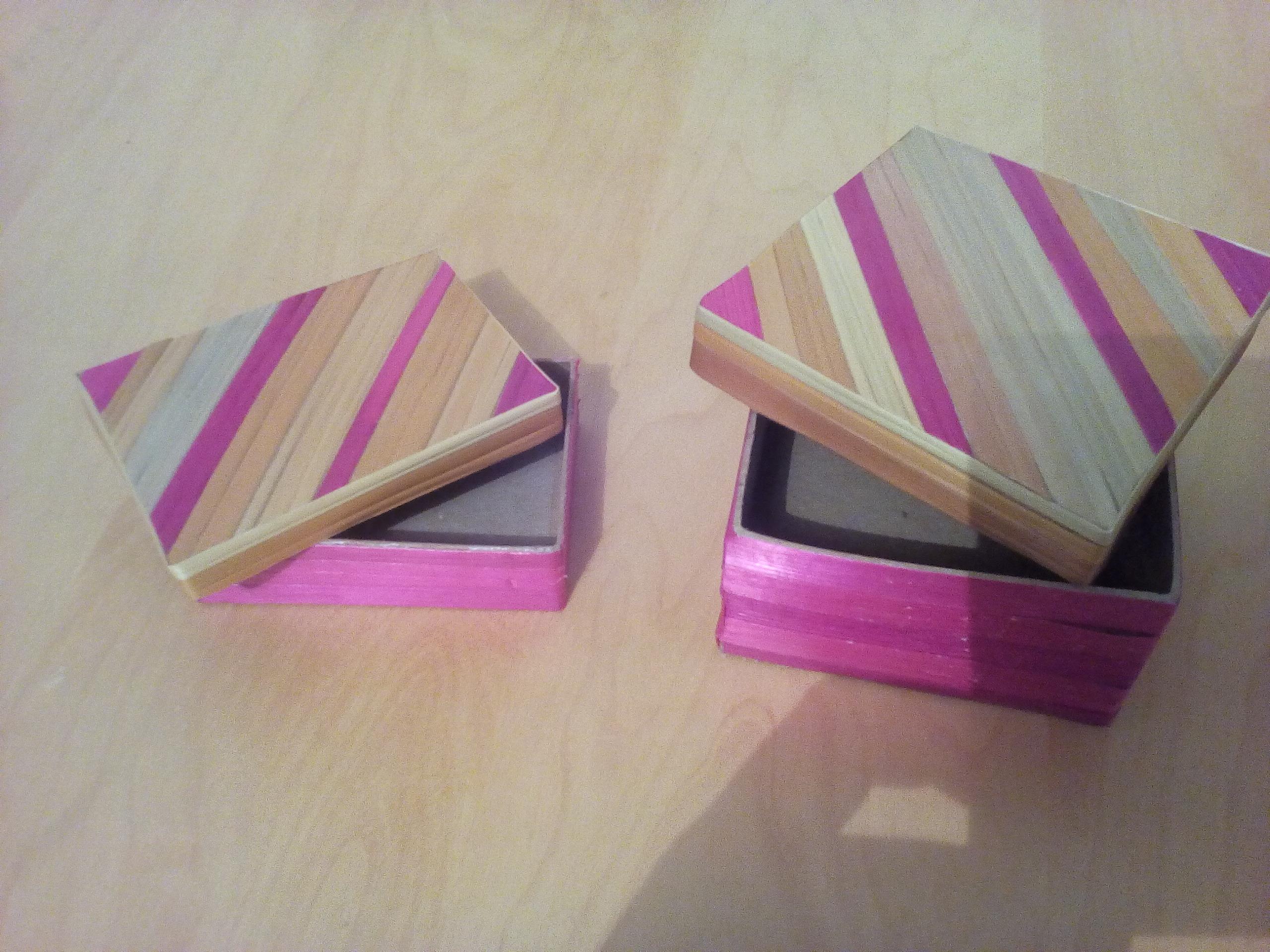 bo tes en carton d cor es objets deco par pailletricot54. Black Bedroom Furniture Sets. Home Design Ideas