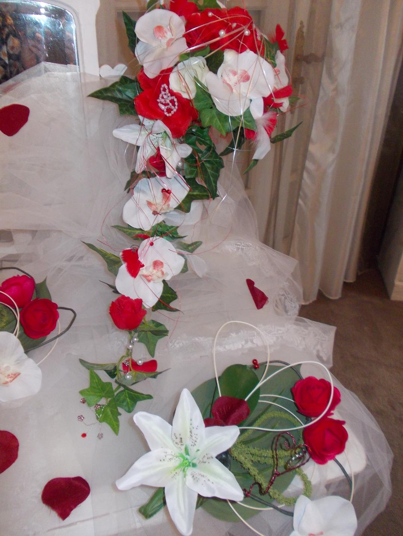 Bouquet Mariee Rouge Et Blanc Orchidees