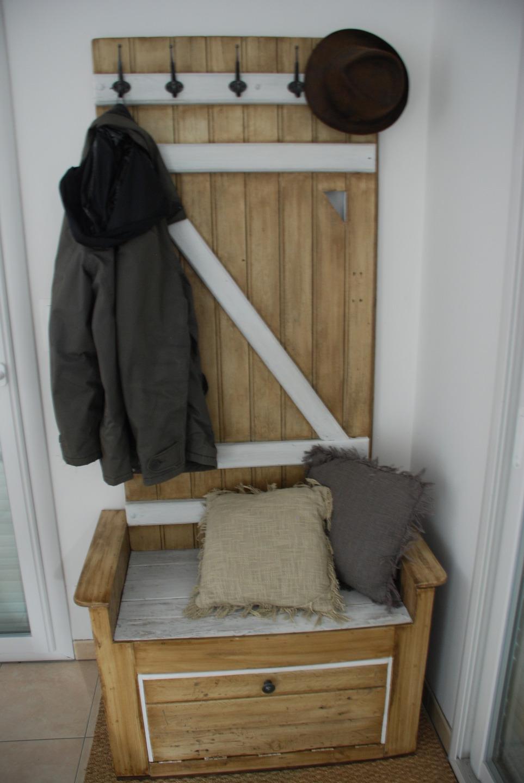 meuble d 39 entr e fait avec du bois de palette meubles par atelierquatrecoeurs. Black Bedroom Furniture Sets. Home Design Ideas