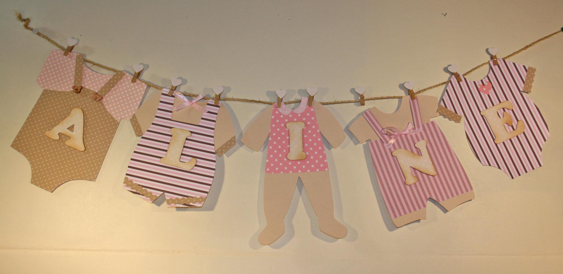 Guirlande linge de b b avec pr nom en 3d pour baby shower for Decoration pour porte de chambre