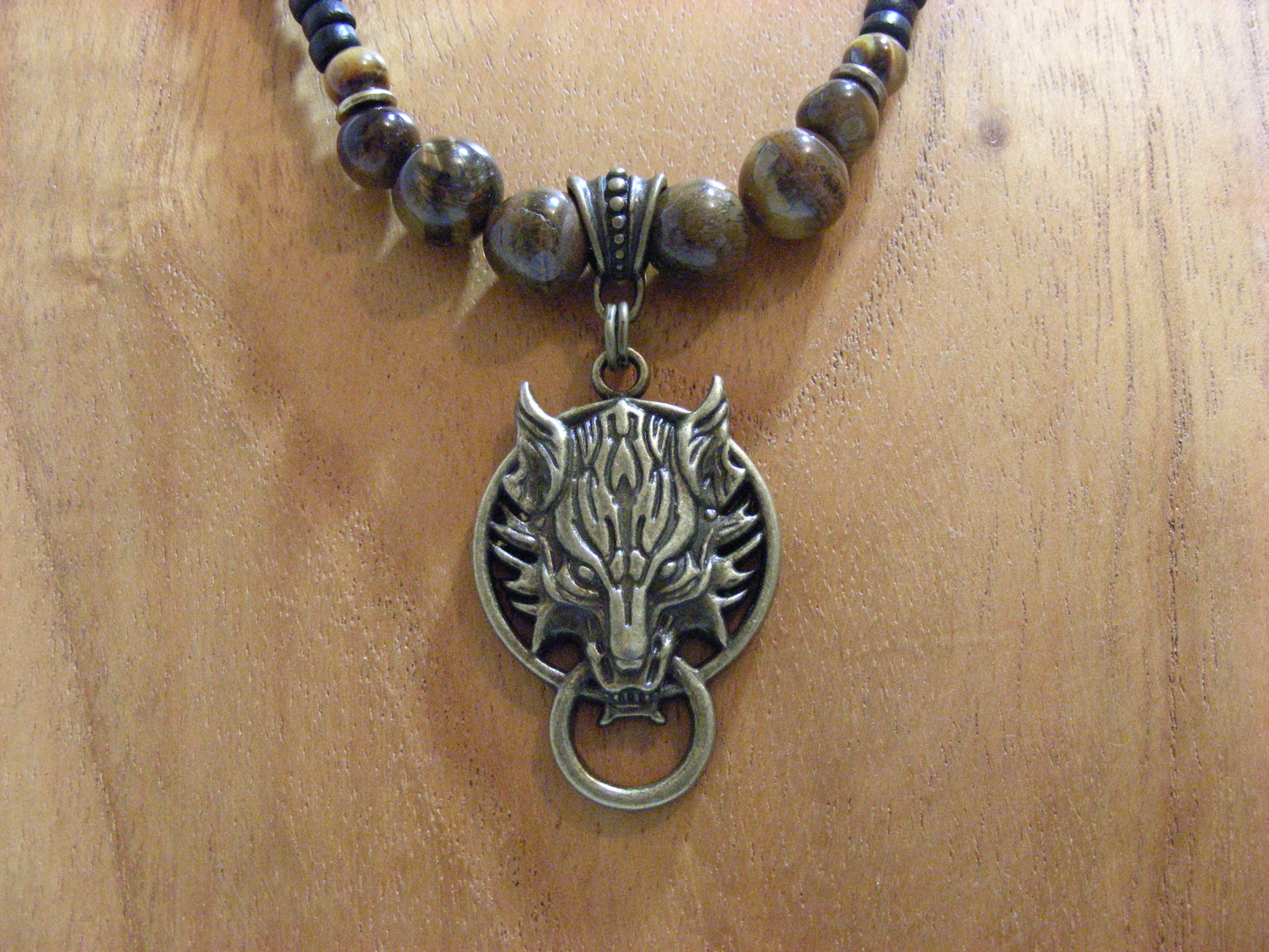collier homme medieval