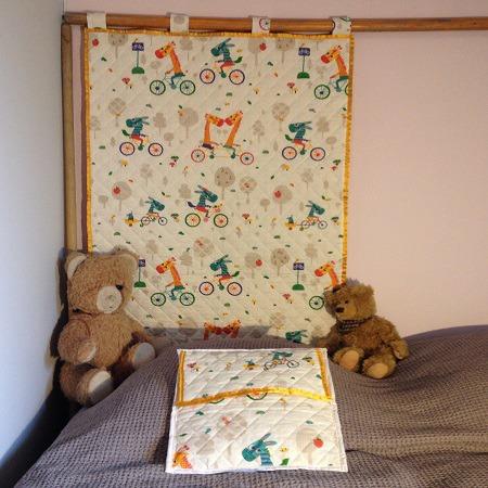 lit enfant fait maison excellent lit enfant fait maison lit mezzanine enfant avec bureau achat. Black Bedroom Furniture Sets. Home Design Ideas