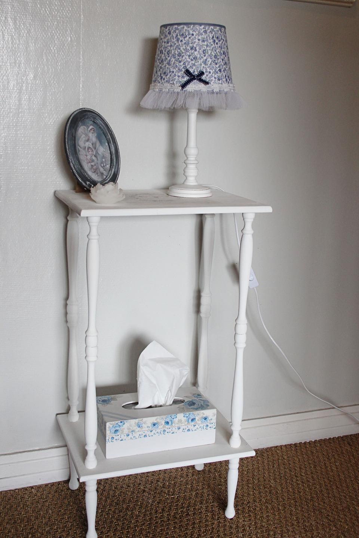 abat jour romantique tissu liberty et tulle shabby chic bleu et blanc luminaires par charmyandco. Black Bedroom Furniture Sets. Home Design Ideas