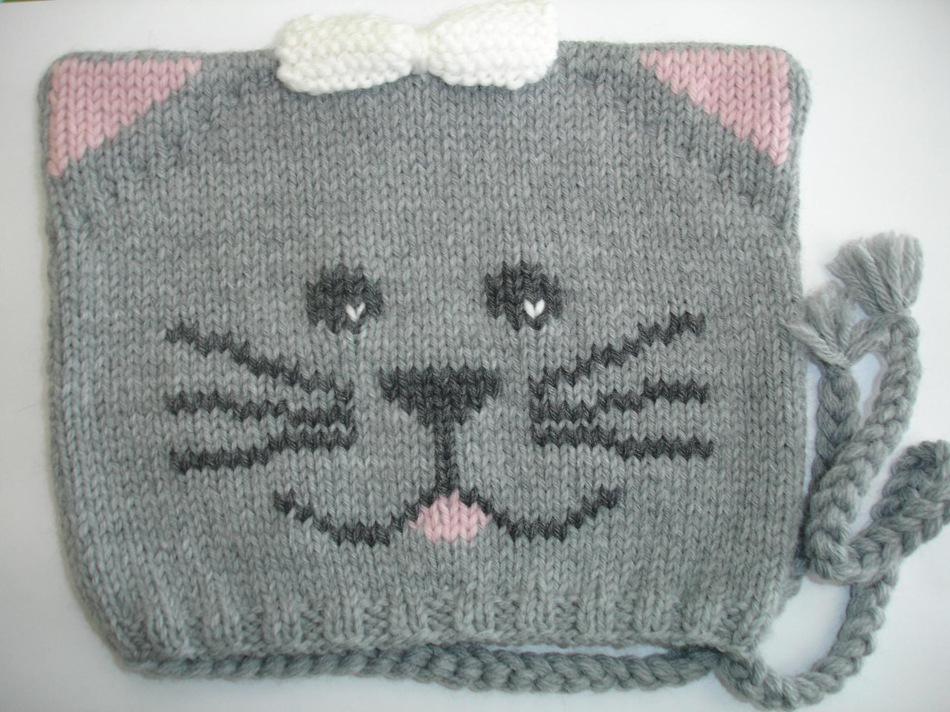 5169ab9c53cd Bonnet bébé tricoté main tête d animal   chat de la taille naissance à 24  mois