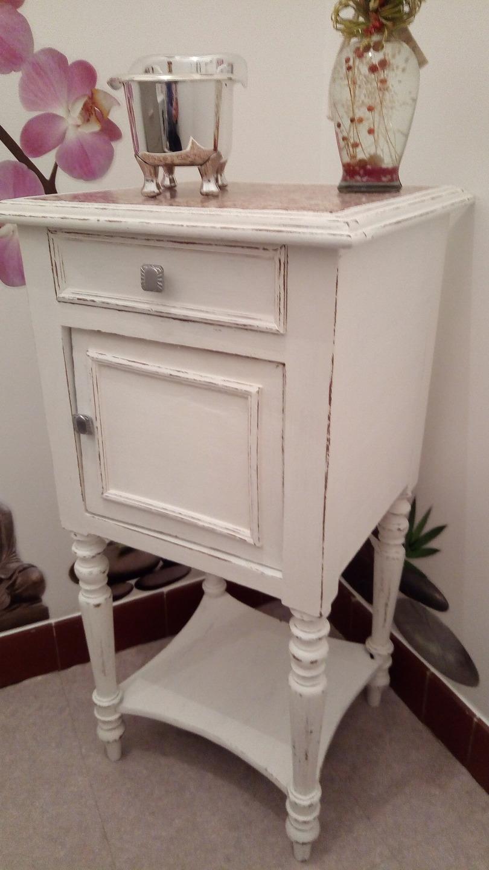 chevet ancien avec dessus marbre meubles par jo rellok. Black Bedroom Furniture Sets. Home Design Ideas