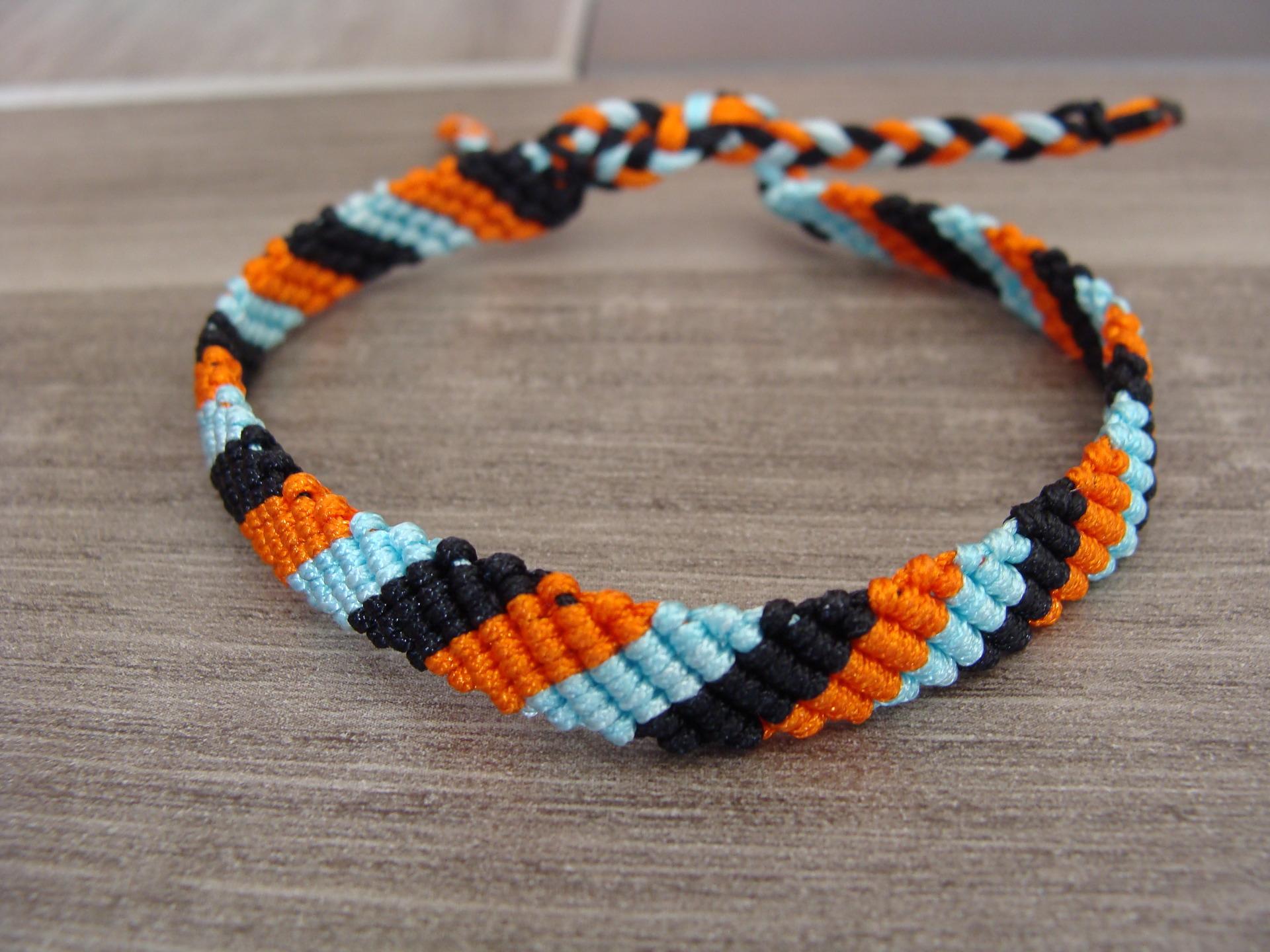 grossiste 035de 4b31b Bracelet brésilien homme/femme en fil nylon tricolore