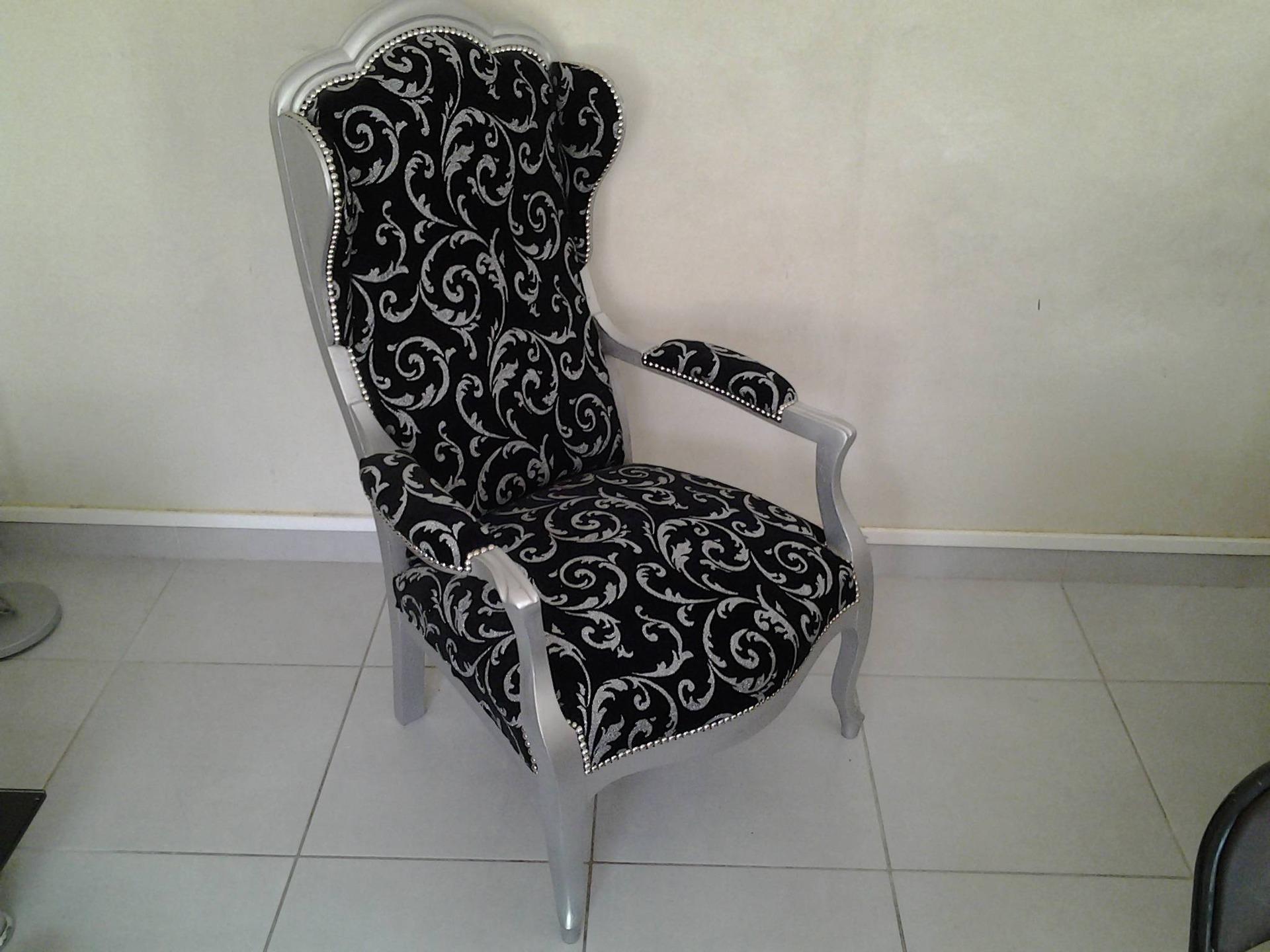 fauteuil voltaire avec oreilles enti rement r nov meubles par couturezigzag. Black Bedroom Furniture Sets. Home Design Ideas
