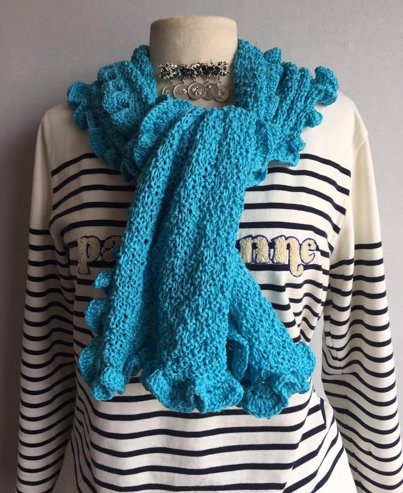 tour de cou frou frou turquoise tricot coton fait main chic echarpe par atelierdepiatine. Black Bedroom Furniture Sets. Home Design Ideas